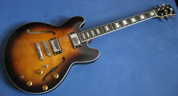 Handmade Miloš Klas ES335 a jej súboj s 1972 Gibson ES335Handmade Miloš Klas ES335 a jej súboj s 1972 Gibson ES335